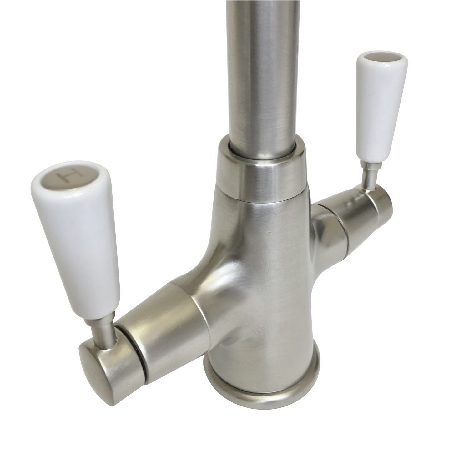 Bluci Nenbro handle detaiil in brushed nickel finish